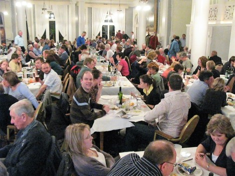 200 quiz buffs in the sell-out audience - Copy